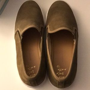 New Banana Republic Taupe Sneaker Loafer 8.5